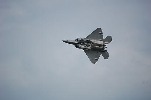 F22 Raptor bomb bay doors open